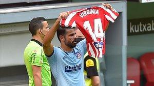 Diego Costa, con su gesto con la camiseta en honor de Torrecilla.