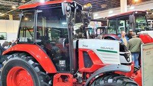 La empresa de tractores MTZ Belarus aterriza en Lleida en la Feria de Sant Miquel para abrir mercado en el sur de Europa.