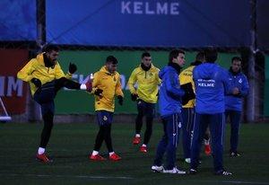 El equipo perico se entrena, este miércoles por la tarde, en Sant Adrià.