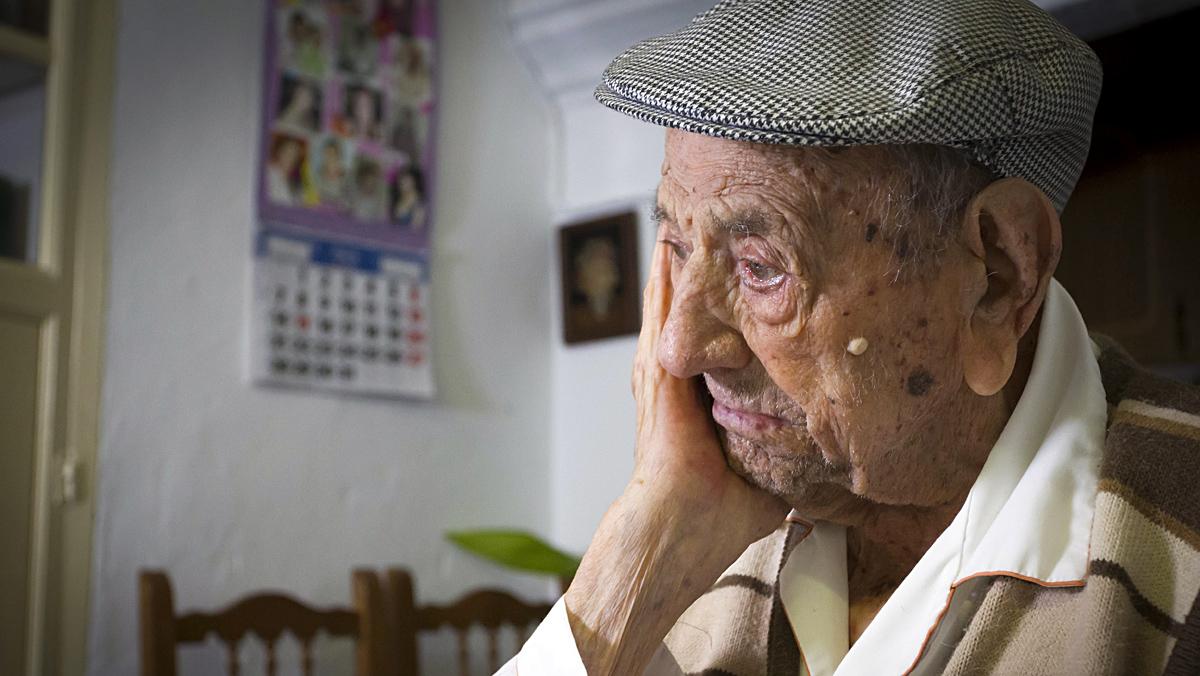 Entrevista al extremeño Francisco Núñez Olivera, el hombre más longevo del mundo.