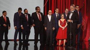 El equipo de Campeones, en el escenario de la gala de los Goya.