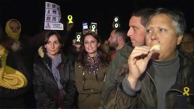 La vicesecretaria del PP Andrea Levy ha sufrido un escrache independentista enSan Fost de Campsentelles.