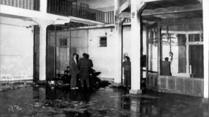Estado en el que quedó la cárcel de Zaragoza tras el motín y el incendio organizado por algunos de los reclusos en 1978.