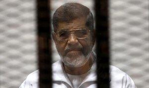 El expresidente Mohamed Mursi ha muerto a los 67 años, tras pasar 6 años en prisión.