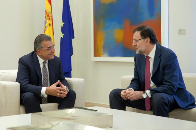 Francisco Javier García Sanz (Volkswagen) y Mariano Rajoy en la Moncloa.