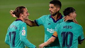 Griezmann, Suárez y Messi festejan uno de los goles del Barça ante el Villarreal.