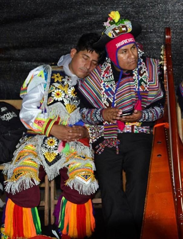 Grupo de danzas tradicionales peruanas