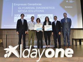 De izquierda a derecha, Carlos Gramunt (CaixaBank),Pep Casas (Mitiga Solutions),Cisca Pons(Mitiga Solutions),Judit Cubedo (GlyCardial Diagnostics),Jaume Masana (CaixaBank) yJordi García (Enisa).