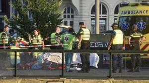Almenys cinc ferits en un atropellament a vianants a Amsterdan
