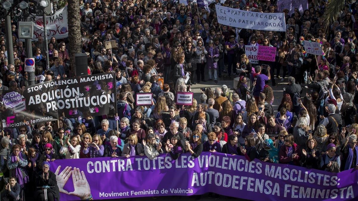 Manifestación feminista del 8 de marzo del año pasado en València.