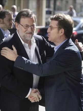 Mariano Rajoy y Alberto Núñez Feijóo, en el congreso provincial del PP en Pontevedra.