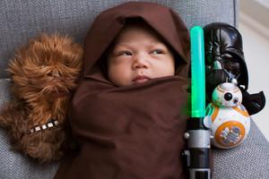 La hija de Mark Zuckerberg disfrazada de Yoda.