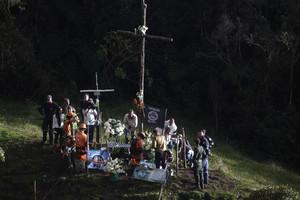 Un monumento recuerda a las víctimas del Chapecoense en el lugar del accidente.