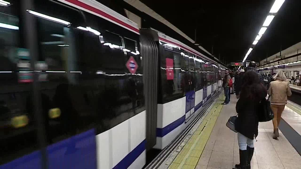 Uno de los tres trabajadores del Metro de Madrid que desarrolló asbestosis por estar expuesto a fibras procedentes de amianto ha fallecido hoy en Madrid.