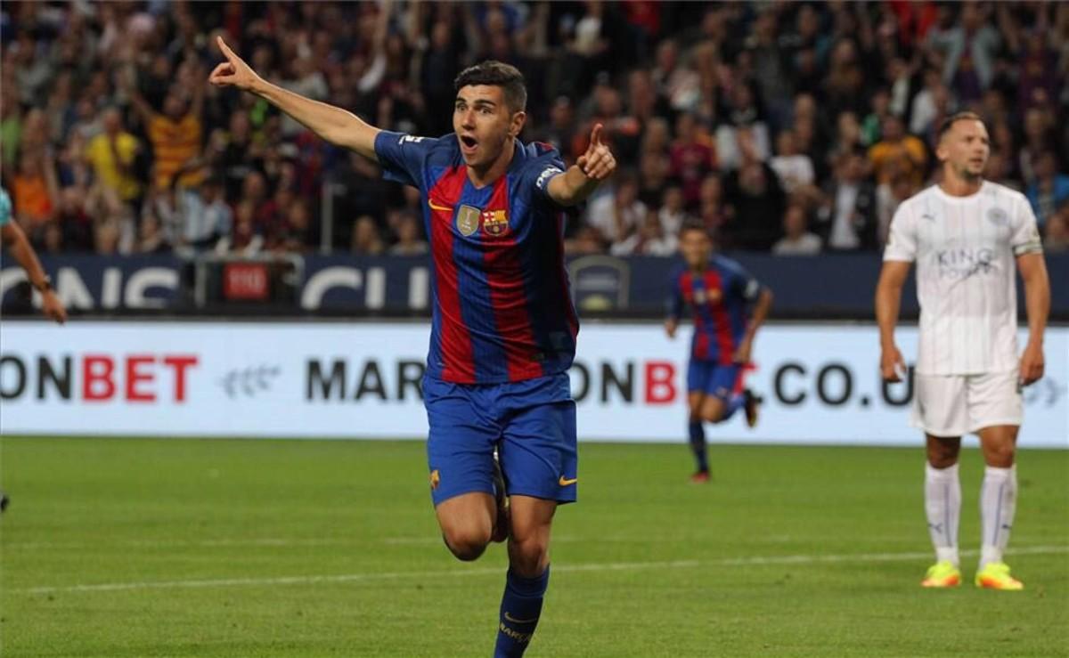 Mujica celebra su primer gol con el Barçaanotado frente al Leicester.