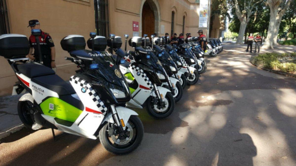 Nuevos vehículos eléctricos de la Guardia Urbana de Cornellà
