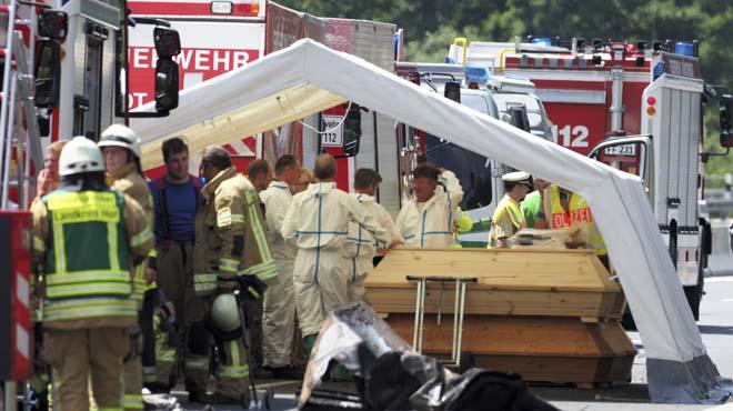18 muertos en un accidente de autocar en Alemania