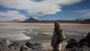 Elisabeth G. Iborra en Salar de Uyuni, al suroeste de Bolivia.