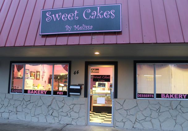 Entrada de la pastelería Sweet Cakes, cuyso propietarios han sido multados con 124.000 euros por negarse a hacer un pastel para una boda gay.