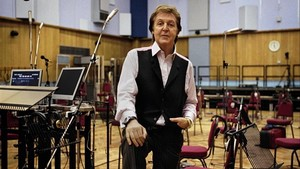 Paul McCartney, en el estudio de grabación