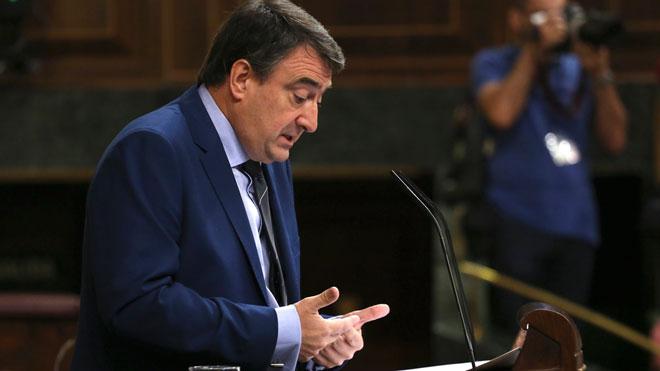 El PNV avanza que se abstendrá en la investidura de Sánchez.