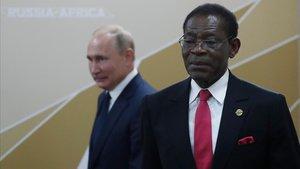 El presidente ruso, Vladímir Putin, se reúne con el dirigente de Guinea Ecuatorial, Teodoro Obiang, este jueves en el marco de la cumbre Rusia-África.