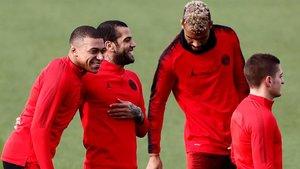 Mbappé, Alves, Choupo-Moting y Verratti, en el entrenamiento de este martes del PSG.