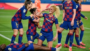 Hamraoui, en el centro, celebra el gol de la victoria del Barça en cuartos de la Copa, este miércoles contra el Depor.