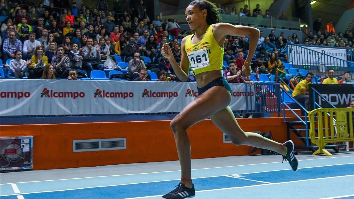 Salma Paralluelo, en una carrera de 400 metros, su especialidad atlética.