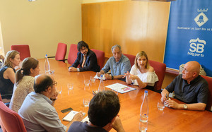 La reunióde les alcaldesses ilalcalde delsconsistoris signants.