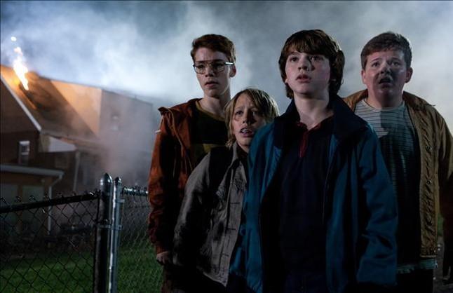 Gabriel Basso, Ryan Lee, Joel Courtney y Riley Griffiths, en la película Super 8.