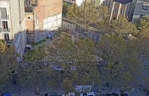 Estado acutal del solar,en el 100 de la avenida del Paral·lel,este martes.
