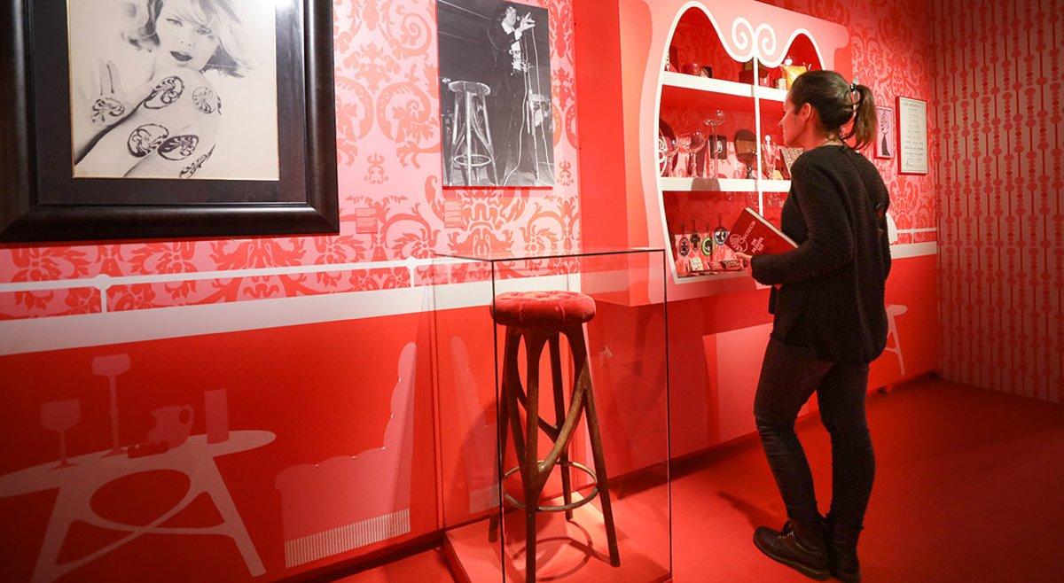 Una de las salas de la muestra dedicada a Bocaccio que acoge el Palau Robert.