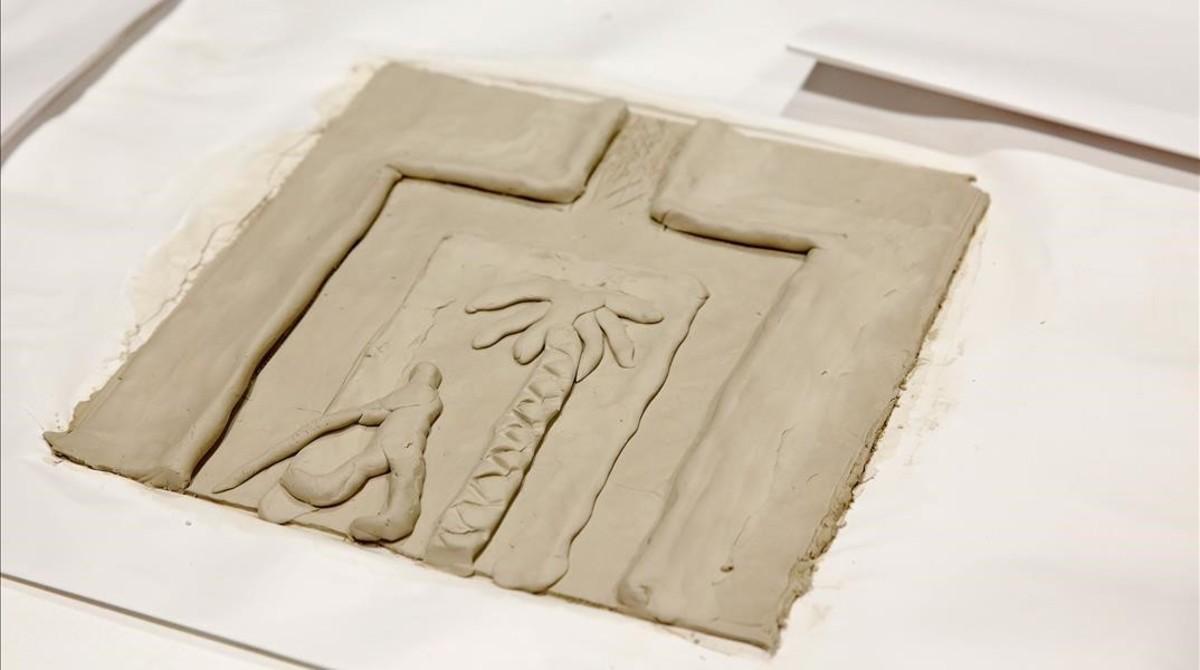 Viñeta de barro, el pasado diciembre, en el taller realizado en Elisava que sirvió para preparar el cómic táctil del dibujante Max, que Catalunya presentaen la Bienal de Venecia.