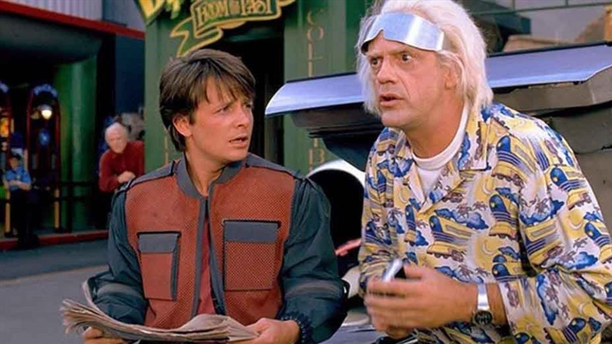Fotograma de 'Regreso al futuro', con Michael J. Fox y Christopher Lloyd.