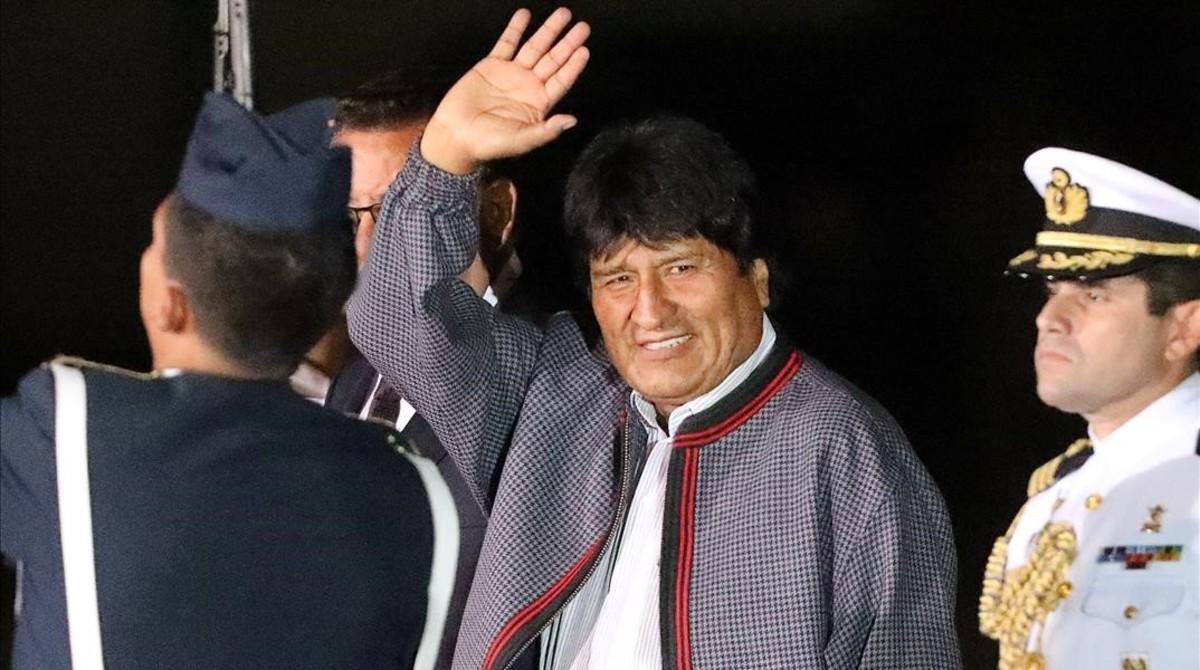 El presidente boliviano, Evo Morales, a su llegada al aeropuerto de Lima.