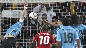 La histórica mano de Dios de Luis Suárez en el Mundial de Sudáfrica.