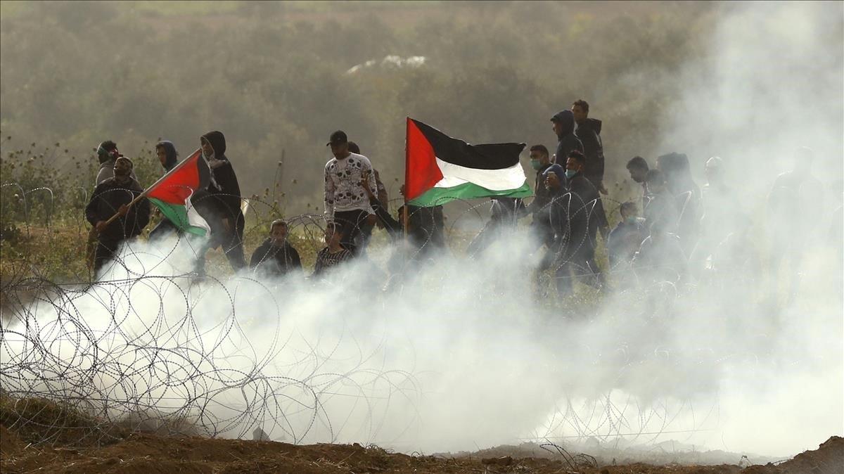 Enfrentamientos en la frontera de Gaza con Israel en el primer aniversario de la Gran Marcha del Retorno.