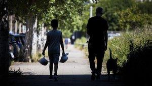 La crisi social oberta per la pandèmia agreuja la pobresa infantil