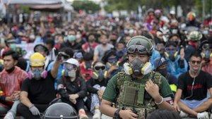 Creixen les protestes a Tailàndia contra el Govern i la monarquia