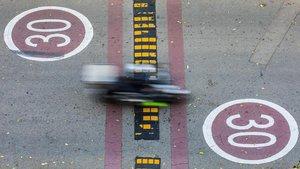 Zona de circulación limitada a 30 km/h en el Passeig Salvat Papasseit de la Barceloneta