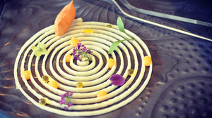Plato elaborado por Carles Tejedor usando la impresora en 3D Foodini