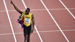 Usain Bolt saluda tras ser tercero en los 100 metros del pasado sábado.