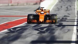 Alonso quiere olvidar la pesadilla de los test de 2017 en Barcelona