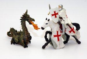 La leyenda del caballero y el dragón ha inspirado este juego.
