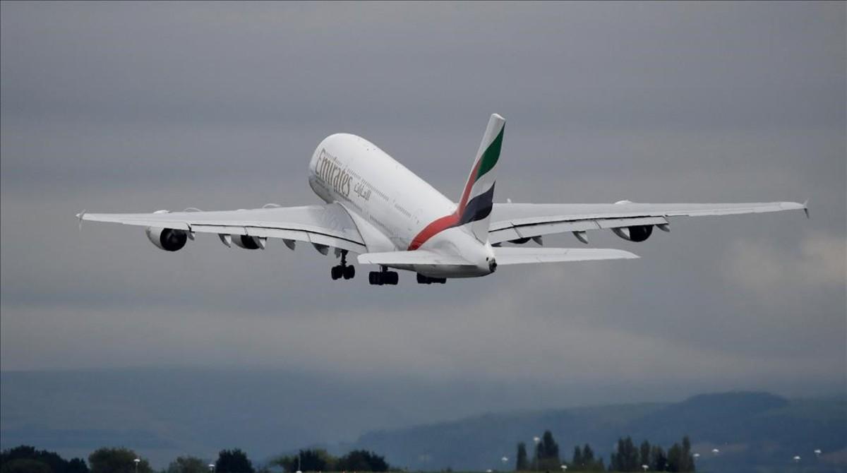 Alerta en Nueva York: Avión procedente de Dubái es puesto en cuarentena
