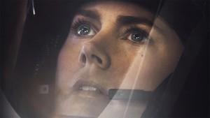 Amy Adams, en un fotograma de La llegada, de Denis Villeneuve.