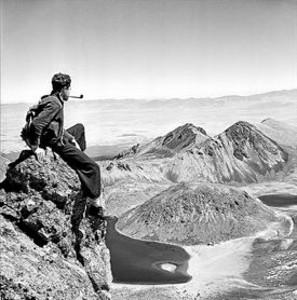 Autorretrato de Juan Rulfo en el Nevado de Toluca, en la década de 1940.