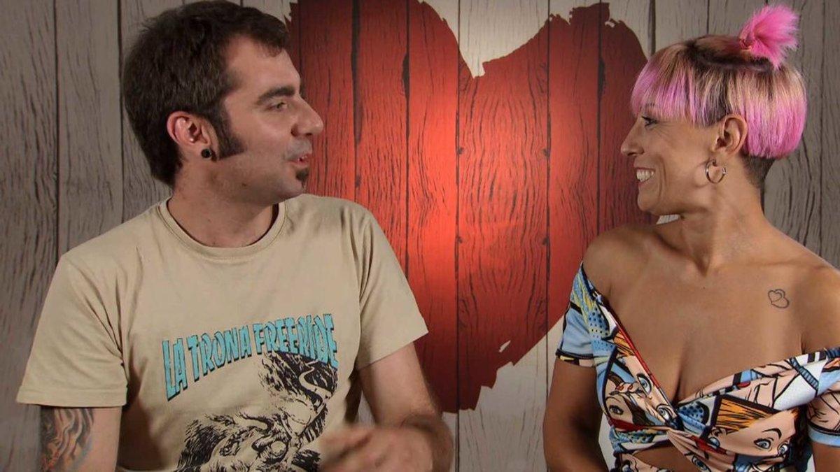 Carlos y Esther en 'First Dates'.