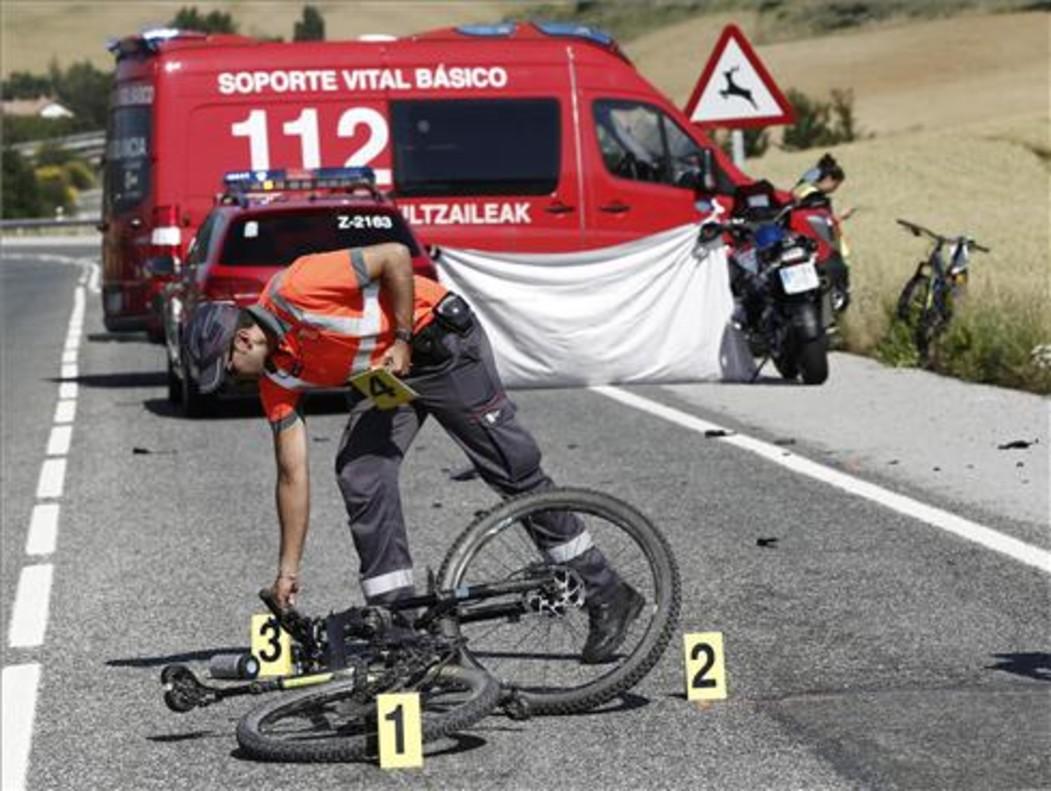Imagen tomada tras el atropello mortal en el término municipal de Erice de Iza, en Navarra, el 10 de junio.